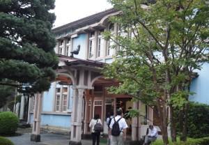山形市七日町の料亭「千歳館」の玄関(2014)。2002年に国の登録有形文化財に選ばれた。